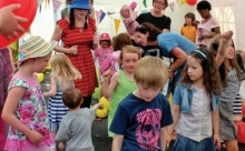 Cairde Kids One World Disco